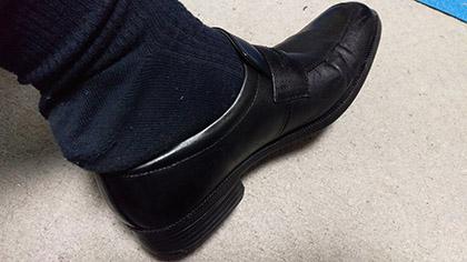 革靴に踵が入らない。。。